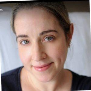 Kate Travers headshot